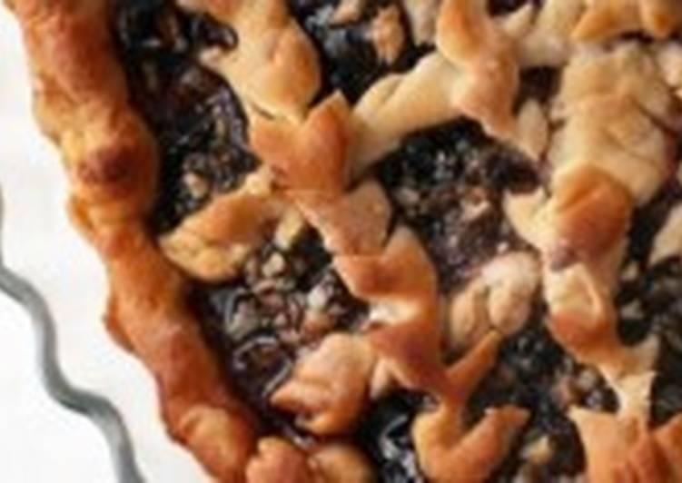 Пирог постный с орехами и вареньем
