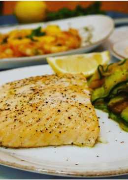 Стейк из лосося с лентами цукини. #кулинарныймарафон