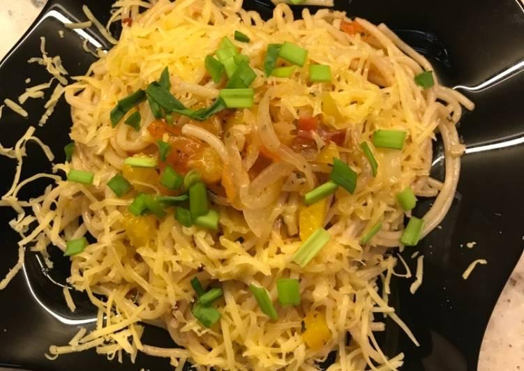 Спагетти в соусе на скорую руку