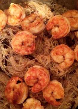 Фунчоза с грибным соусом и креветками #кулинарныймарафон