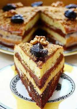 Торт сметанник с черносливом и грецкими орехами Нежный,воздушный,по вкусу напоминает торт Панчо