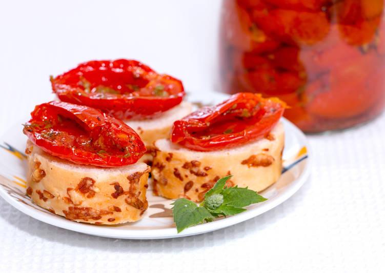 Запеченные помидоры по-провански