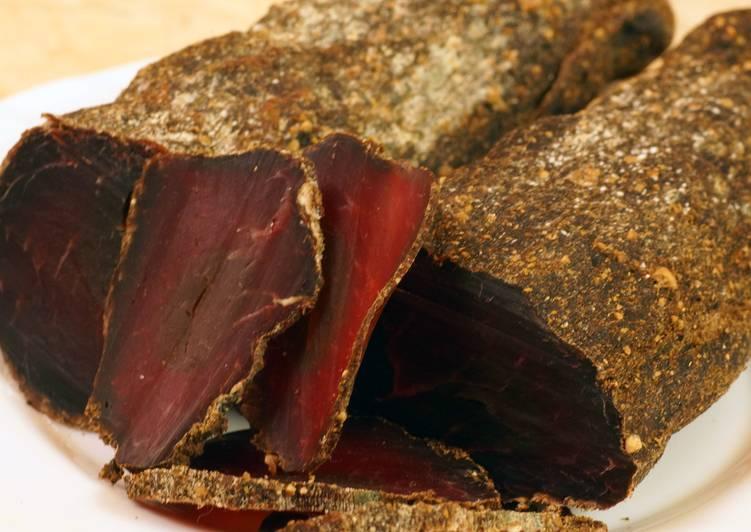 Балык сыро-вяленый из говядины на коньяке в домашних условиях к Новому году основное фото рецепта