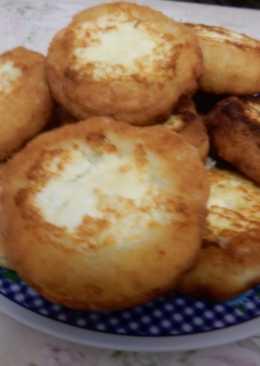 Сырники из творога с творожной начинкой на сковороде