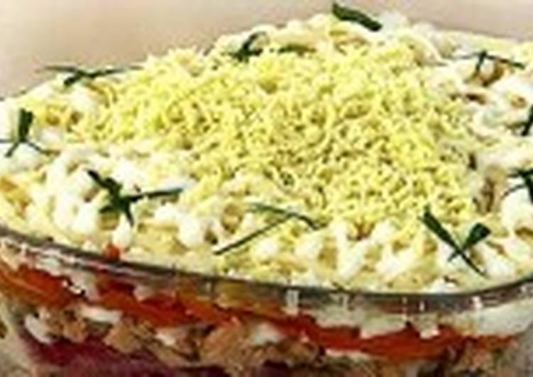 Салат из лосося с гречкой