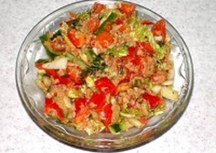 Салат «Рапсодия» из тунца с овощами