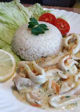 Нежнейшие кальмары в бархатном, сметанном соусе