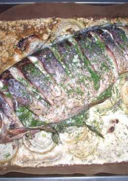Рыба, целиком запечённая в духовке