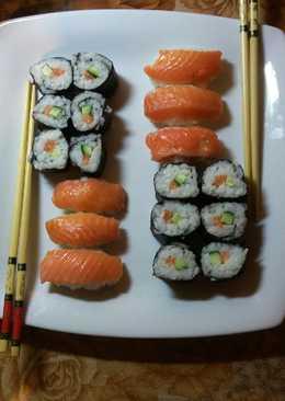 Роллы и суши #чемпионатмира #япония