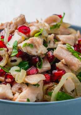 Салат с курицей и гранатом на Новогодний стол, без майонеза