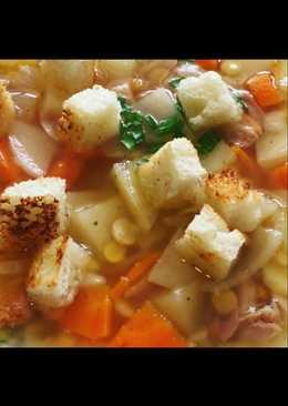Суп 🍲 гороховый с сухариками #кулинарныймарафон