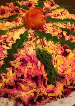 Новогодний салата селедка под шубой с сёмгой