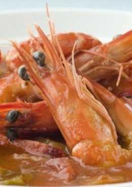 Суп с креветками, беконом и мясом краба «Гамбо»