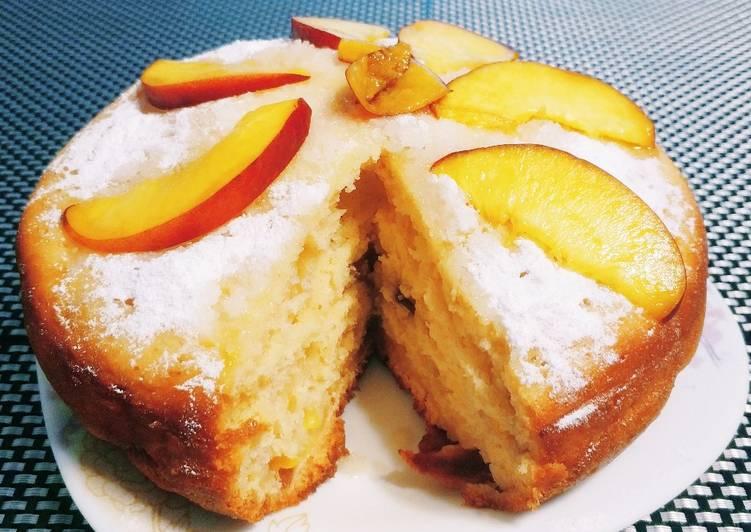Пирог с нектарином в мультиварке