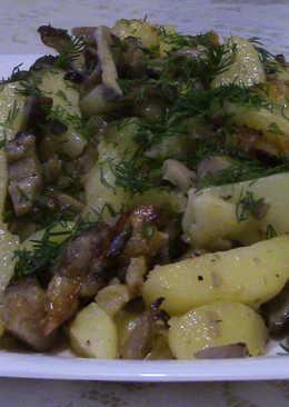 Картошка жаренная с грибами. Ммм... Вкусно