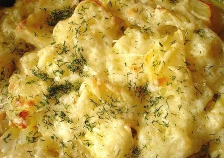Молочный картофель под сыром в мультиварке