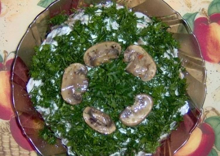 Овощной салат слоеный «Грибной»