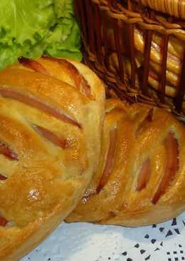 Булочки с колбасой - хорошая альтернатива бутербродам
