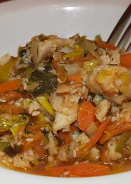 Рыба с овощами в томате