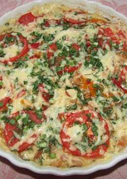 Открытый пирог с копченной курицей, болгарским перцем и помидорами