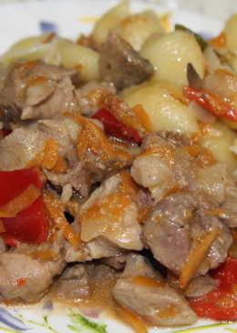 Рагу из индейки, грибов и овощей