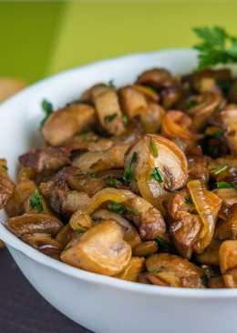 Закуска с грибами и беконом. Жареные грибы на праздничный стол