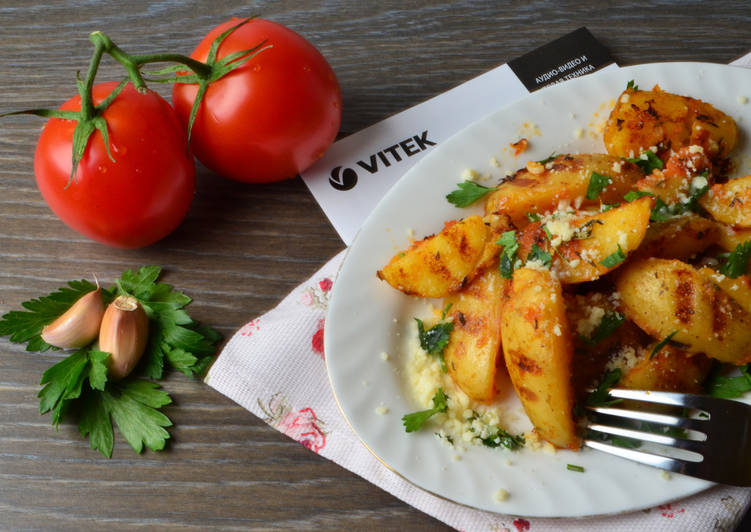 Картошечка по-деревенски в томатном итальянском соусе с пармезаном