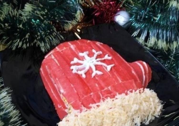 Новогодний салат «Варежка Деда Мороза»