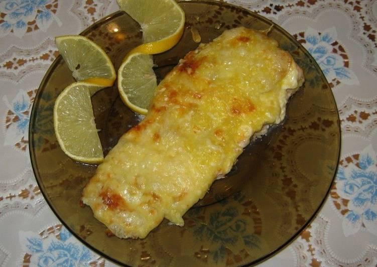 Форель, запеченная с сыром