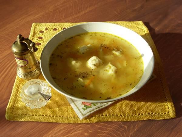 Суп с сырными клецками. #кулинарныймарафон