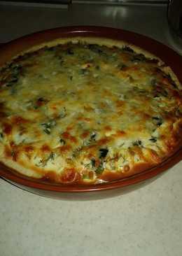 Пирог со шпинатом, сыром и зеленью