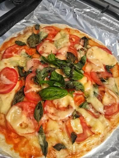 Пицца, бездрожжевое тесто