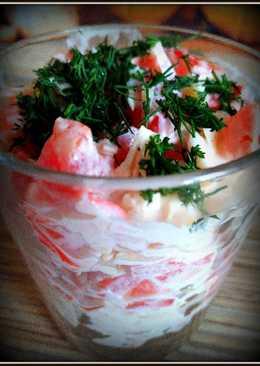 Салат крабовый, с помидорами и сыром