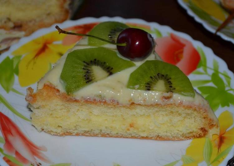 Бисквитный торт с кремом на сгущёнке