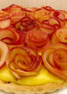 """Пирог """"Шедевр"""" с розами из яблок и кремом на слоеном тесте"""