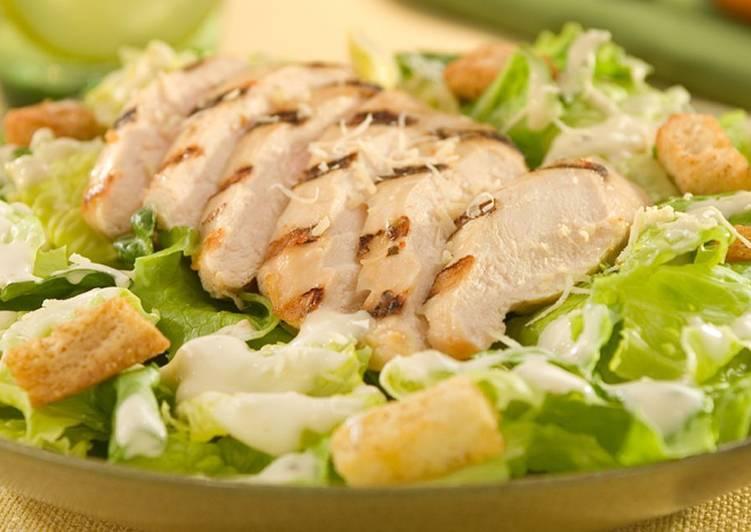 Салат Цезарь с курицей и сухариками - Новогодний салат