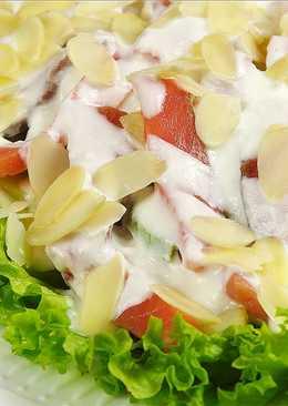 """Новогодний салат """"Французский поцелуй"""" с рыбой в йогуртовой заправке"""