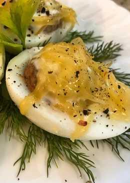 Закуска из фаршированных яиц
