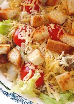 Новогодний салат Цезарь с сардинами