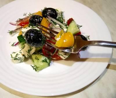 Греческий салатик #кулинарныймарафон