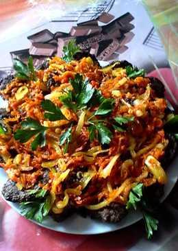 Печеночные котлетки под овощной шубой