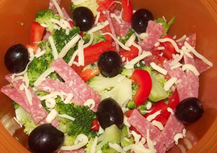 """Салат простой и вкусный """"Всё что было под рукой"""""""