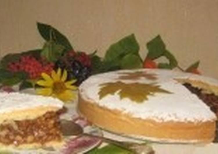 Пирог с карамелью с грецкими орехами
