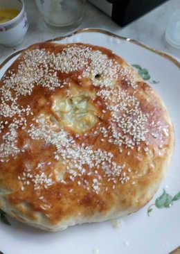 Осетинский пирог с молодой капустой и сыром