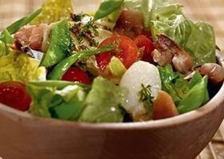 Салат из молодого картофеля со скумбрией