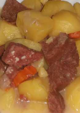 Картофель по-крестьянски с колбасой