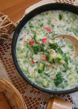 Кефирный суп с крабом и огурцом