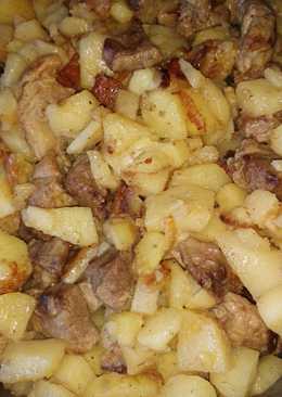Жареный картофель со свининой