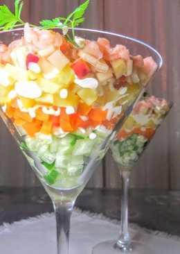 Слоеный салат Ривьера с красной рыбой