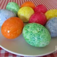 Мраморные яйца-крашенки к Пасхе в рисовой сечке